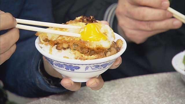 廟口人氣NO.1 黃金魯肉飯